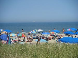 1024px-Rehoboth_Beach_at_Delaware_Avenue